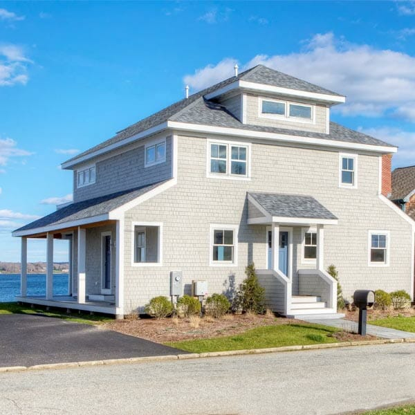 48 Aquidneck Avenue Portsmsouth